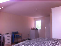large En suite Double Room leyton 5 mins walk from station £775 All Bills