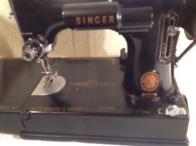 Antique Singer Featherweight 221 Sewing Machine Cat 3-120 w/ Case