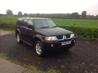 2006 Mitsubishi shogun sport 3.0 v6 Automatic WARRIOR black full black leather very low miles 42.000