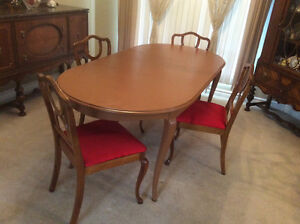 Solid Wood Dining Table + 2 Extensions, 4-Chairs Reconditioned Kitchener / Waterloo Kitchener Area image 7