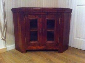 Tv Unit, solid oak ex cond. Bargain £50