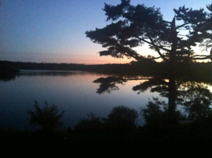 3 BDRM house with lake frontage. 15 mins from Sheet Harbour