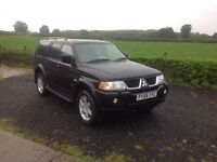 2006 Mitsubishi shogun sport 3.0 v6 Automatic WARRIOR black full black leather very low miles 42.000