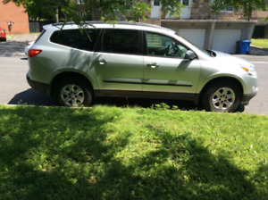 Chevrolet Traverse 2010 avec groupe remorquage, tire 5,200 lbs.