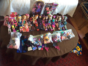 Monster high and other dolls with accessories