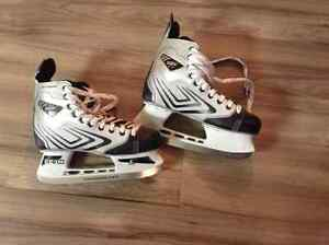 Hockey Skates - CCM - Great condition Size 6