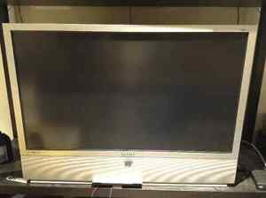 "42"" Samsung DLP Projection TV"