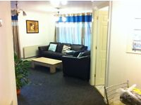 Double room to let in a 2bed flat share. Ensuite; refurbished; 10mins from station; 5mins from town