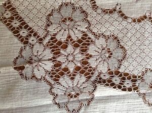 4 Matching Lace Tablecloths London Ontario image 7
