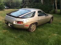 1984 Porsche 928 Coupe (2 door)