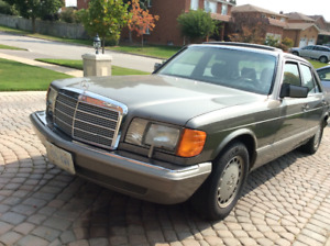 Classic 1989 Grey Mercedes Benz 300 SE Black Leather Interior