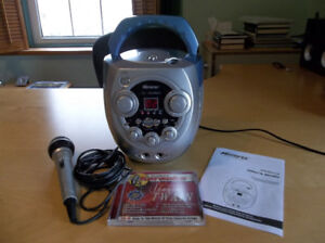 MEMOREX Portable CD/CD+G Karaoke System (Excellent Condition!)