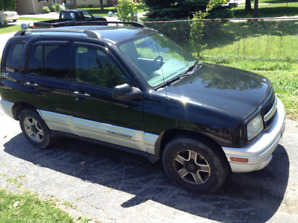 2003 Chevrolet Tracker SUV, Crossover