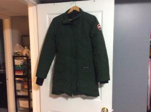 Woman's XS Canada Goose Coat