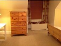 5 mins walk from the Barnet High Street ENSUITE