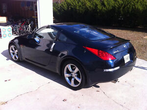 Looking for a 2007 or 2008 Nissan 350Z Coupe