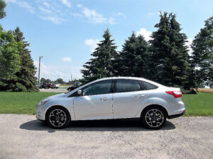 2012 Ford Focus SE Sedan. 4 NEW TIRES & ALL NEW BRAKES!!  $6950