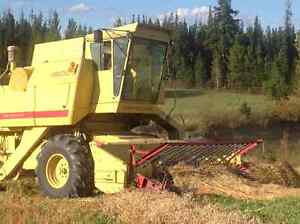 Combine  Newholland 1500 $3500.00 obo