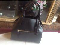 Ladies shoulder bag black used £4