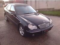 24/7 Trade sales NI Trade prices for the public 2004 Mercedes C 180 1.8 Kompressor Avantgarde blue