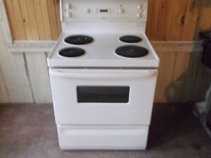 white hotpoint stove excellent working condition
