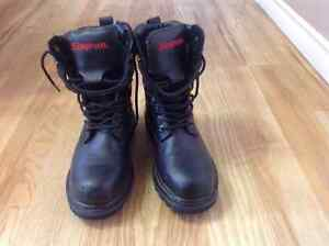Sz 8 Men's Snapon work boots