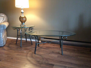 Coffee table and one matching end table Belleville Belleville Area image 1