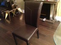 Chaise en véritable cuir