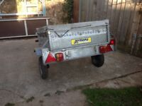 Small metal 2 wheel trailer