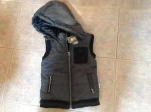 Roots Vest size 4 toddler -brand new
