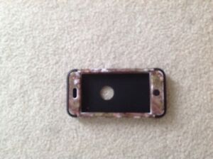 iPod Touch 5 Otter Box**Excellent Condition**