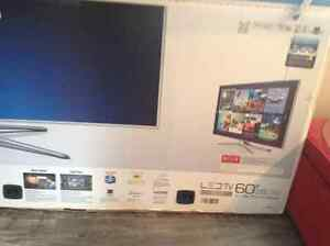 Samsung top of the line tv for sale. Almost new. Blue ray,3D HRT