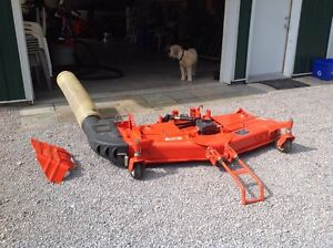 Kubota commercial grade mower deck and grass catcher Kawartha Lakes Peterborough Area image 3