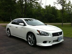 Nissan Maxima Sport Package