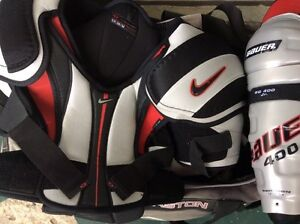 HOCKEY GEAR COMPLETE WITH DUFFEL