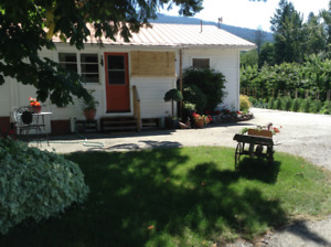 Beautiful farm house,  Creston area  .