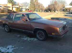 1982 Olds Cutlass Supreme Brougham, 21,600km(original)