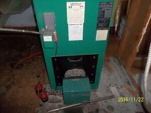 REDUCED PRICE HOT AIR FURNACE & OIL TANK