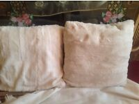 2 small cushion good condition used £4