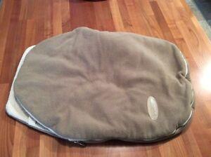 Car seat pouch
