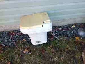 Toilet/ Waste Tank/ Stainless Sink/ Water Tank