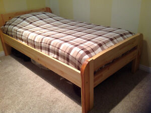 Twin Size Bed  EUC