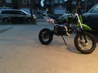 Sale Sale Sale Brand new In Crate 125cc 4 Speed Manual Dirt Bike