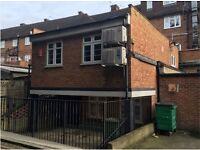 2 bedroom flat in Honeypot Lane, Stanmore, HA7