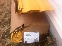200 sq ft of Amber vinyl siding NEED GONE!!