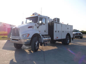 2018 Kenworth T370 4x4 with 14ft Summit Service Body