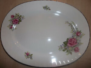 Grande assiette ovale Made in England