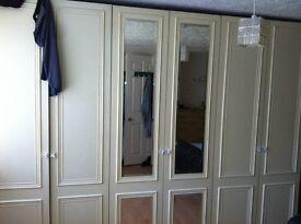 king size double bedroom en-suite toilet