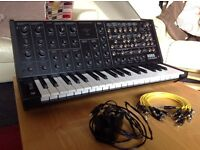 Korg ms-20 mini synth as new. & box ins patch cables !!!