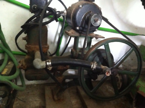 Vintage Piston Water Pump  [in excellent working condition!]